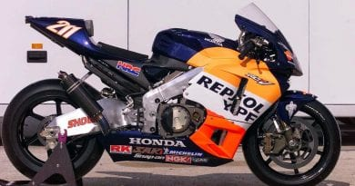 MotoGP legendary bikes – The 2002 Honda RC211V
