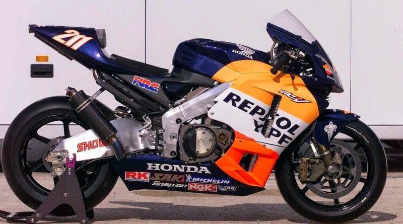 MotoGP legendary bikes – The 2002 Honda RC211V